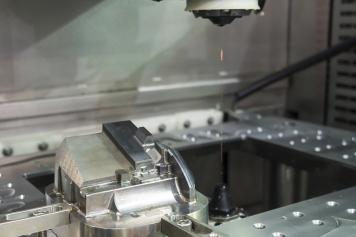 CNC wire cut machine cutting mold parts